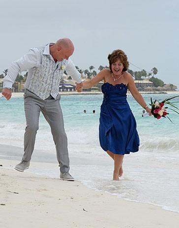 de foto van Peter en Steffie waarmee zij meedoen aan de actie win gratis trouwringen bij trouwringen-Heusden.nl