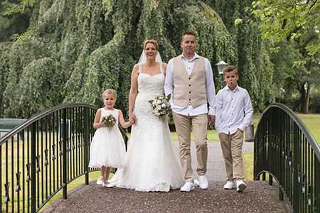 Robin en Esther doen mee aan de win aktie bij trouwringen-Heusden