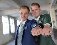 Loek en Boy kochten trouwringen bij trouwringen Heusden van juwelier Sylvester Andriessen